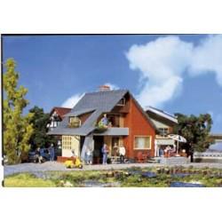 Faller 131225 Haus mit Balkon