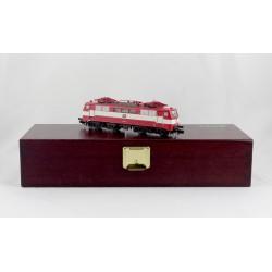 Trix 16112 E-Lok BR 111 068-3